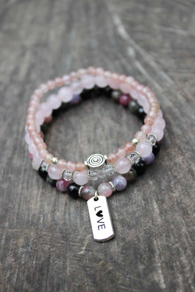 Trio de bracelets en quartz rose, fraise et tourmaline