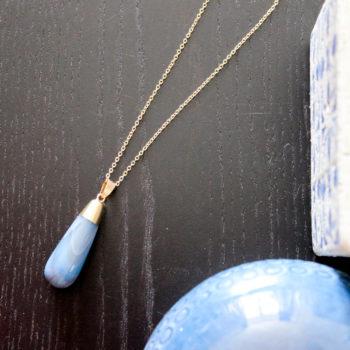 Collier en laiton doré pendentif agate